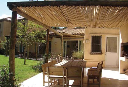 La madera en el hogar for Fotos de piletas en casas
